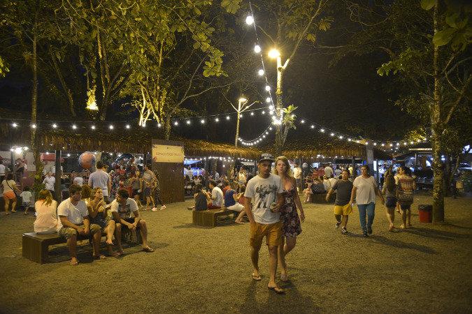Na área dos food trucks do Espaço Veja São Paulo, há comida mexicana, pizza, paletas, churros, hambúrgueres...