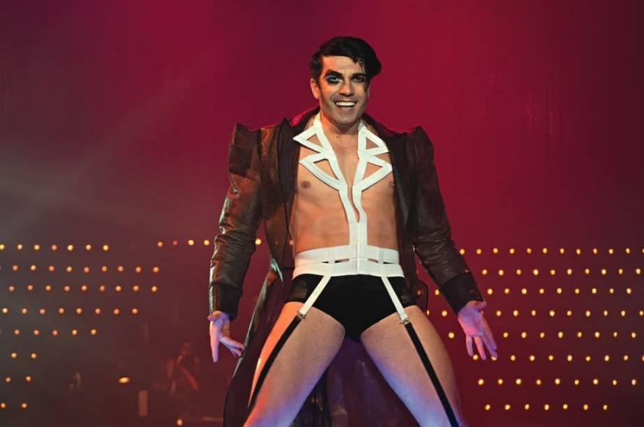 Mestre de cerimônias: o ator e bailarino Jarbas Homem de Mello é o destaque do elenco do musical Cabaret