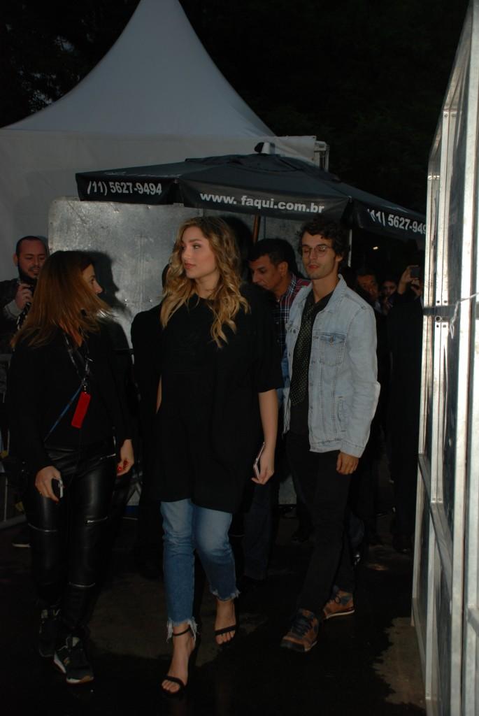 Sasha chegando para o desfile da Coca Cola Jeans (Foto: Michael Reis)