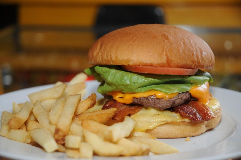 Fat elvis do Rock'n'Roll Burger: R$ 28,90 (Foto: Cida Souza)