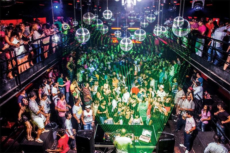 A boate gay Bubu Lounge Disco com decoração repaginada