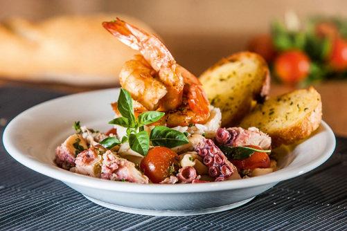 Grelhado de frutos do mar: um dos itens do cardápio