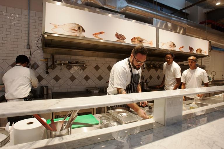 O chef Duh Cabral: responsável por sete restaurantes temáticos