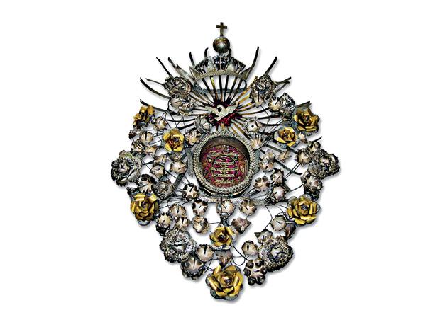 Relicário de ouro e prata