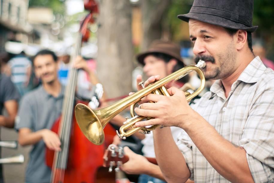 Verão na Vila: Emblues Beer Band se apresenta na sexta, dia 16, das 19h às 20h