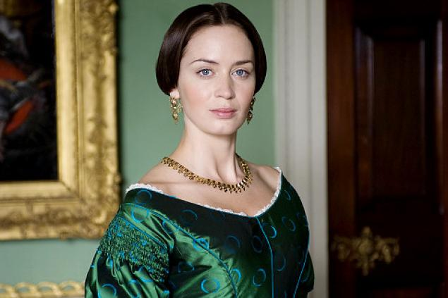 Emily Blunt: ótima protagonista em A Jovem Rainha Victoria