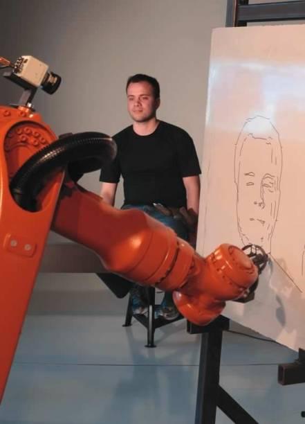 Robô desenhista de Autoportrait: interação