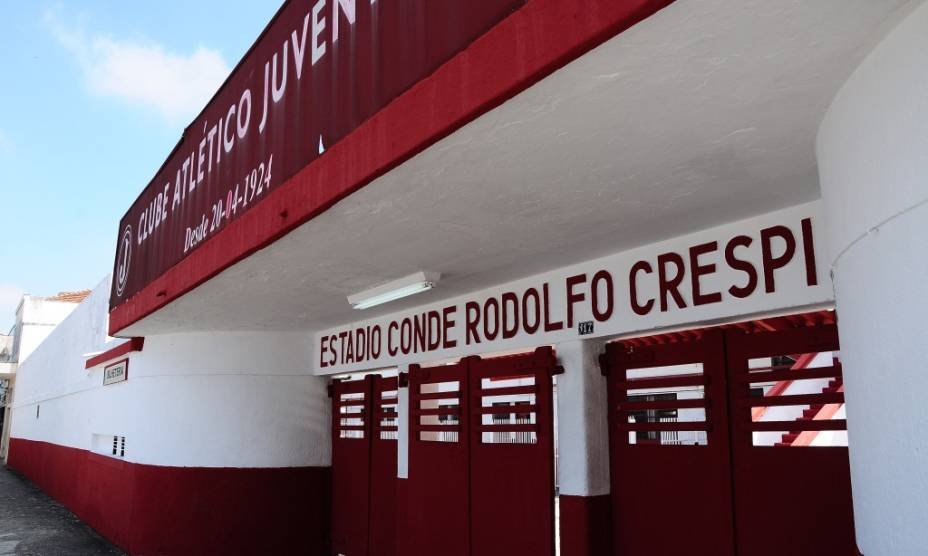 Entrada do Estádio Conde Rodolfo Crespi, do Clube Atlético Juventus