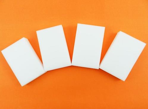 Esponja mágica, que dispensa o uso de detergente: R$ 7,99 (com 4 unidades)