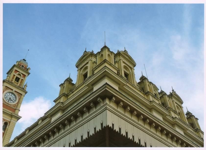Estação da Luz: estruturas importadas da Inglaterra são inspiradas no Big Ben e na Abadia de Westminster