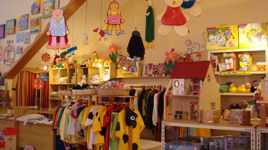 Criada em 2001, a loja Fábrica Idéias vende brinquedos para incentivar a imaginação