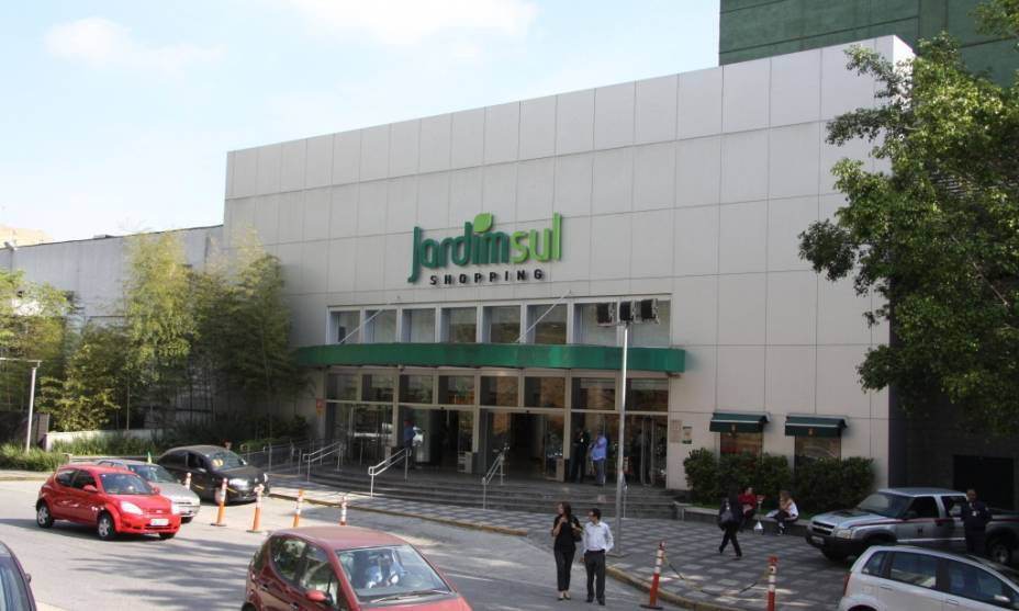 Fachada do Shopping Jardim Sul, no Morumbi