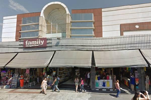 Centro de compras fica próximo ao local da Feira da Madrugada (Foto: reprodução Google Streetview)
