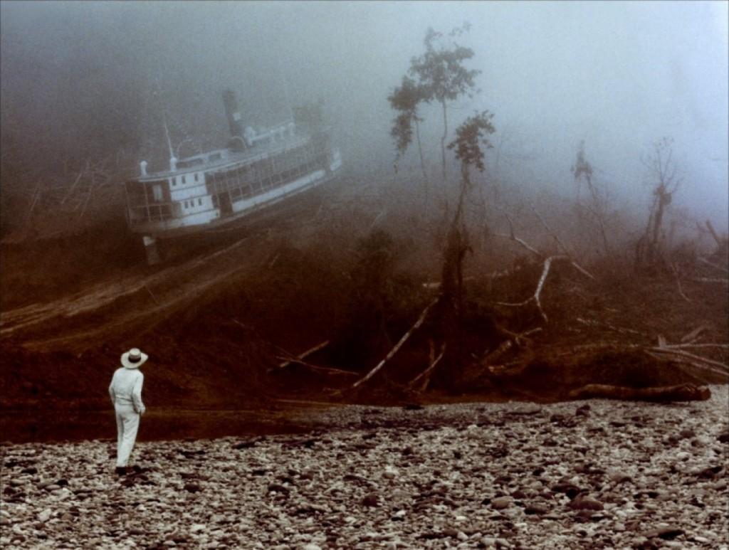 Dezembro - O monumental Fitzcarraldo é dirigido por Herzog