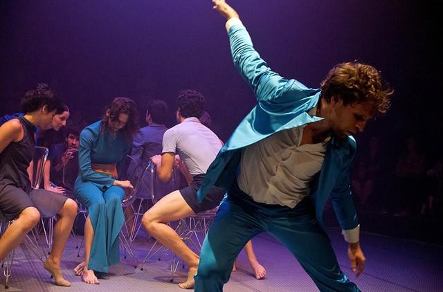 Espetáculo Ímpar, pela Focus Cia. de Dança