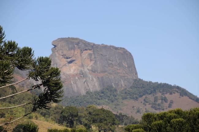 Formação rochosa que integra o _Complexo Pedra do Baú_