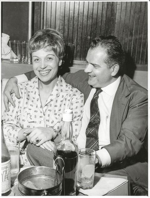 O concorrido salão e o casal de fundadores, Fortunée e Roger Henry, em foto de 1954: elegância no centro (Foto: Arquivo Pessoal)