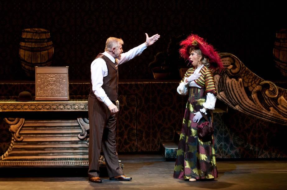"""Miguel Falabella e Marília Pêra no musical """"Alô, Dolly"""""""