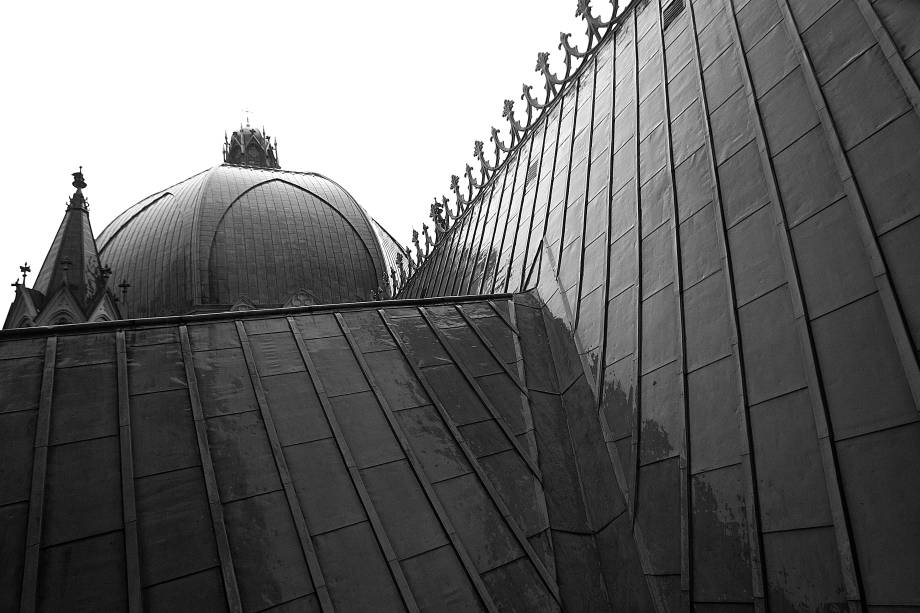 A cúpula da Catedral da Sé em dia de chuva