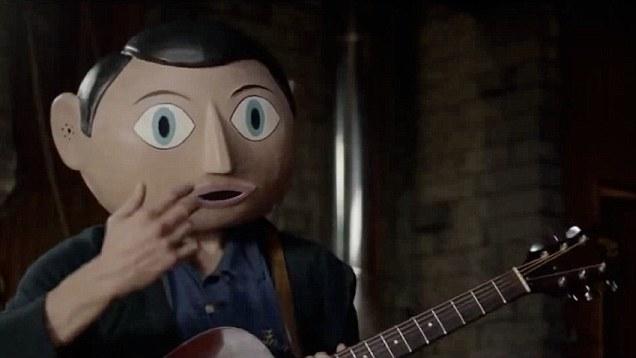 Na comédia Frank, ele interpreta o líder um banda