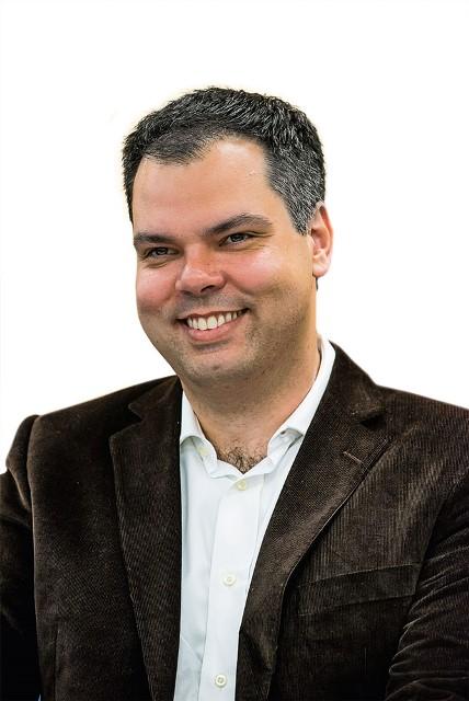 Bruno Covas: roupa de gari ao lado do prefeito eleito João Doria (Foto: Chello/Estadão Conteúdo)