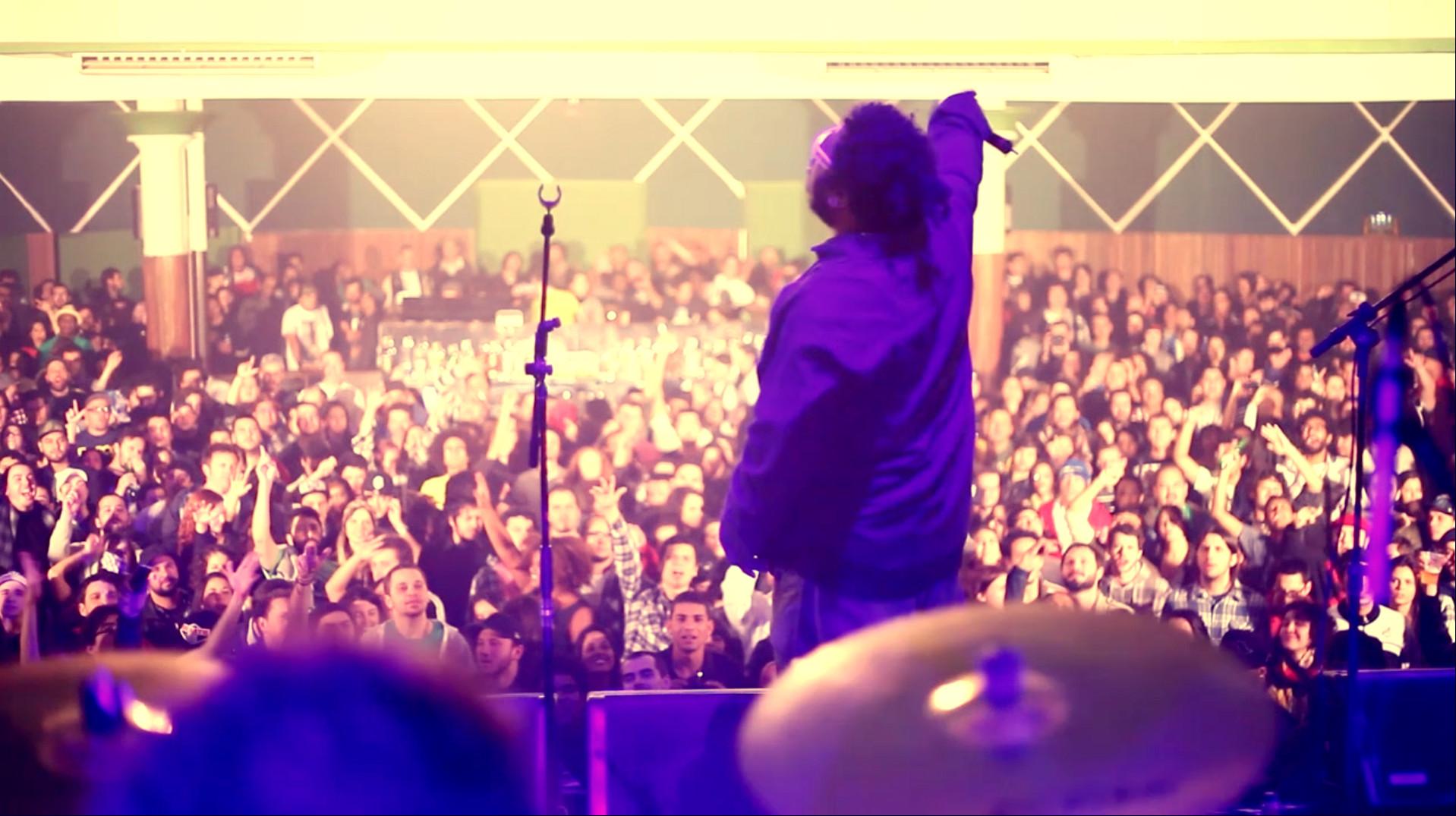 O cantor: show previsto para às 16h15 (Foto: Divulgação)