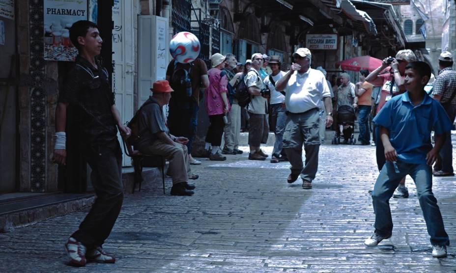 Sobre Futebol e Barreiras: documentário retrata o conflito Israel-Palestina