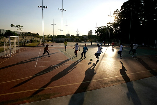 Parque da Juventude disponibiliza quadras poliesportivas