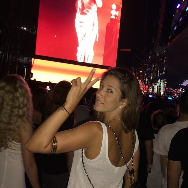 """""""Marquei minha viagem a Nova York havia três meses e encontrei Ricardo Barbato por acaso lá. Estou solteira e não quero saber de namoro"""", disse Gabriela"""