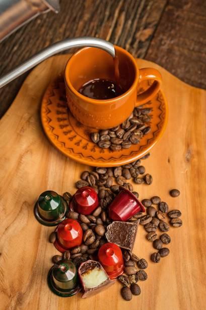 Bombom em formato de cápsulas de café