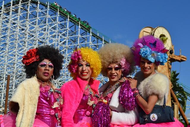 gay day_hopi hari