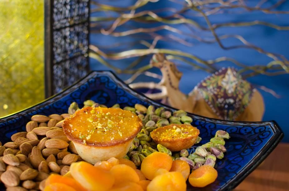 Torta de marzipan, pistache e damasco da Genoveva Doçaria