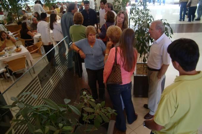 O Gero Caffè em um foto de 2004: as filas em constantes, em especial no almoço (Foto: Marcelo Barabani)
