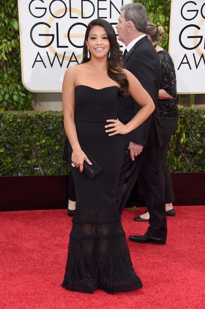 Gina Rodriguez escolheu vestido tomara que caia Badgley Mischka (Foto: Reprodução/Fashionista)