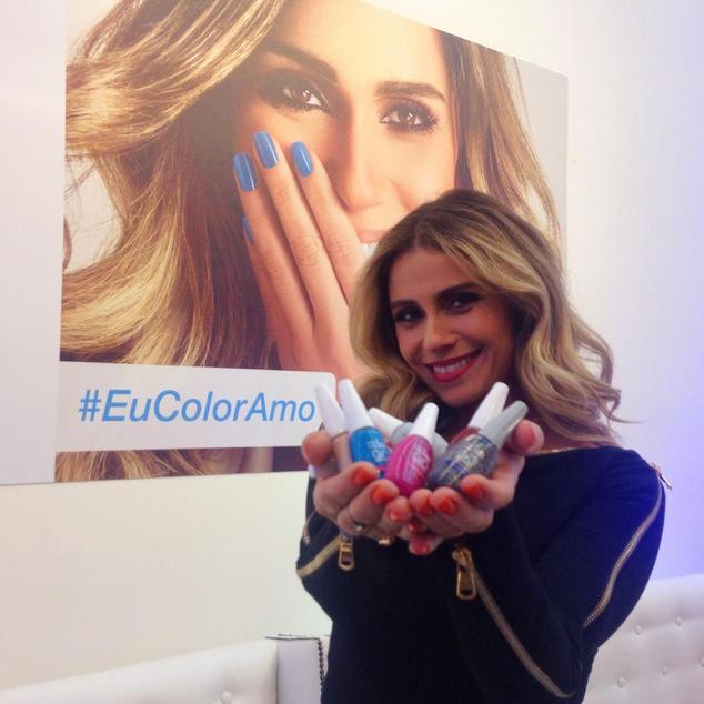 Giovanna durante o lançamento de seus novos esmaltes, em São Paulo (Foto: Reprodução/Instagram)