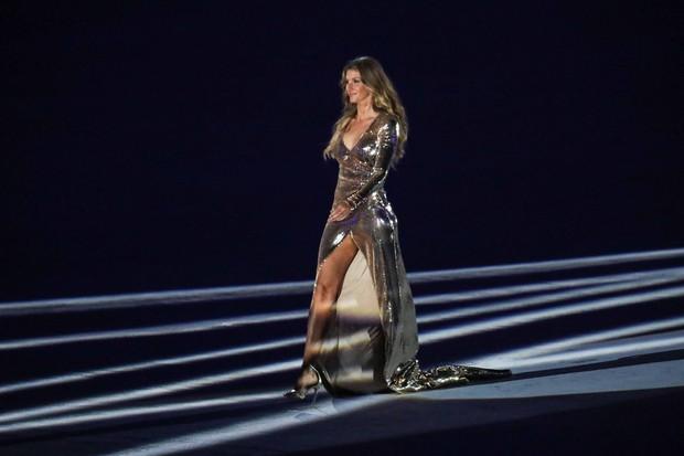 Aposentada das passarelas, a modelo brasileira Gisele Bündchen participou da abertura dos Jogos Olímpicos (Foto: Reprodução/Facebook)