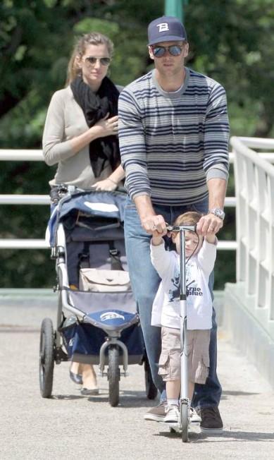 Desde 2006, Gisele está com o jogador de futebol americano Tom Brady, com quem teve um filho, Benjamin, hoje com dois anos e meio. Terceiro / Honopix