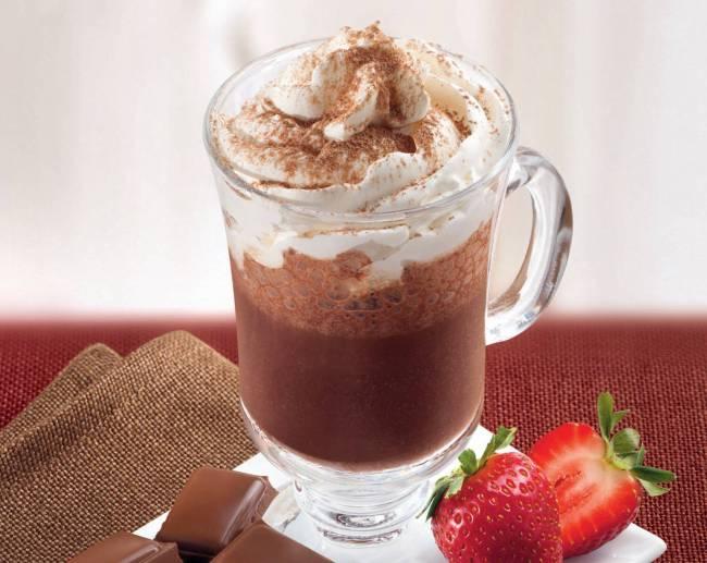Gotas de Amor - chocolate quente com chantili