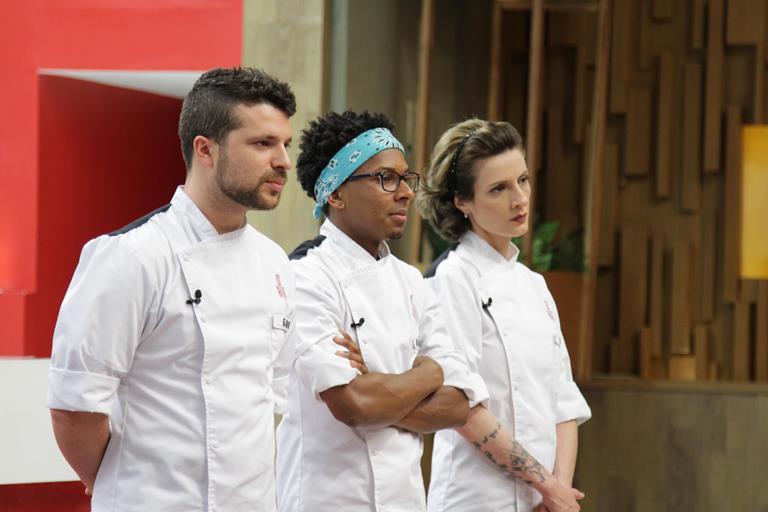 Gabriel com os finalistas: coincidentemente Cris e Mailson já tinha sido minha escolha no episósio 13