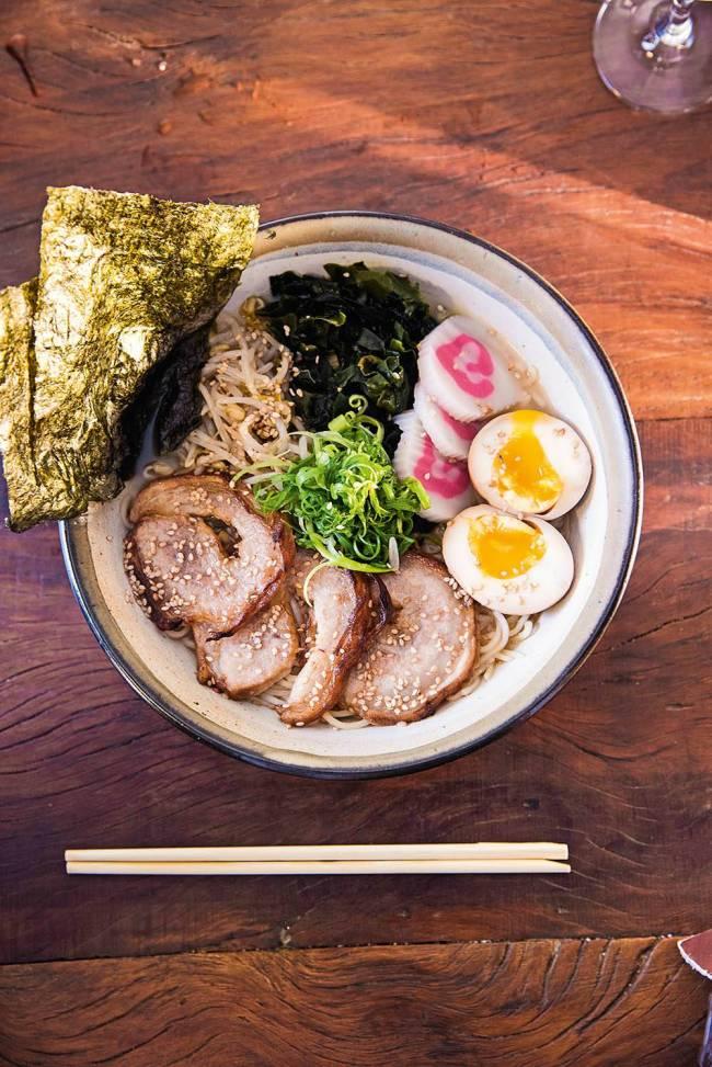 Hirá Ramen Izakaya noodles lamen