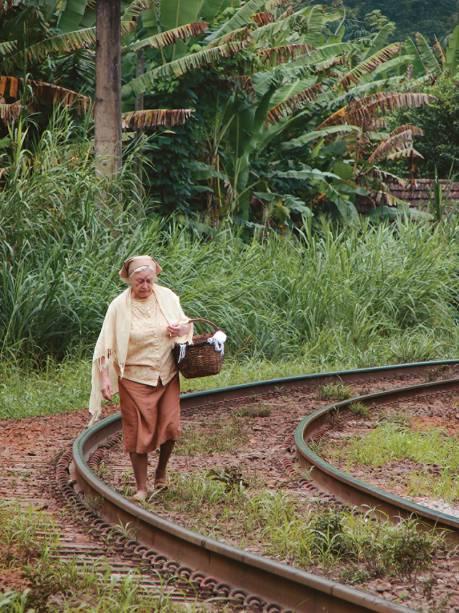 Sonia Guedes em Histórias que Só Existem Quando Lembradas: entre o documentário e o realismo fantástico