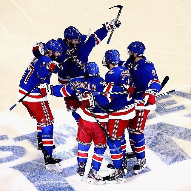 Ansel foi conferir uma partida do New York Rangers, time de hóquei no gelo