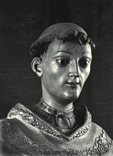 Detalhe de São João da Cruz, de Aleijadinho, em foto de Horacio Coppola
