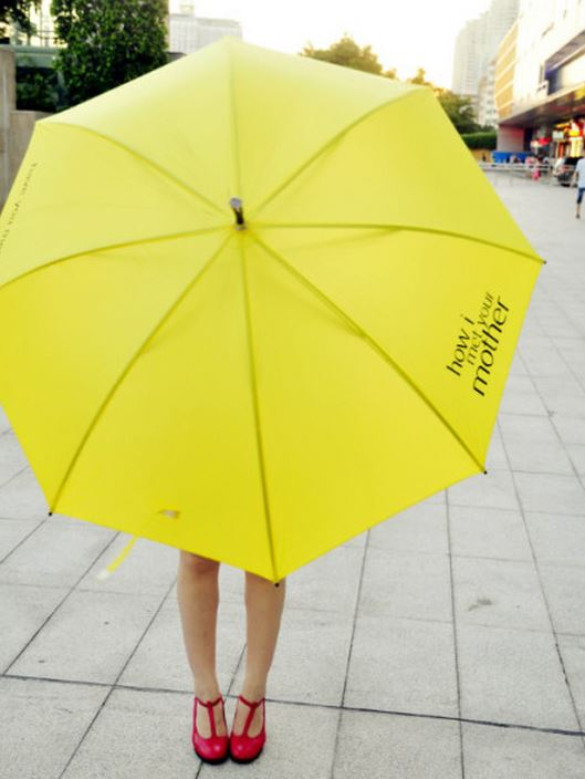 O guarda-chuvas amarelo que marcou a série How I Met Your Mother