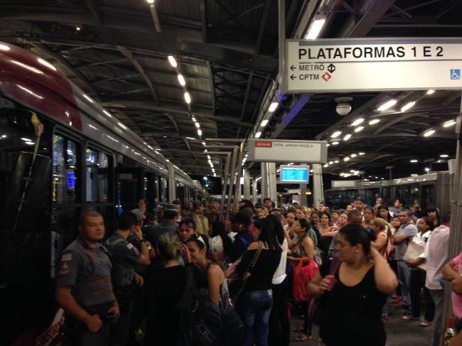 Pane Trem Linha Esmeralda Pinheiros