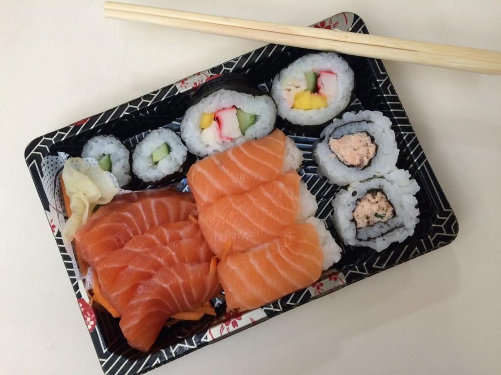 Combinado de sushis, niguiris e hossomakis: R$ 24,98 (foto: Fábio Galib)