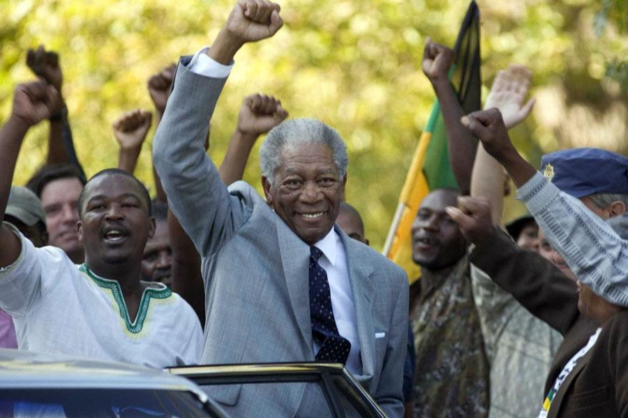 Morgan Freeman como Nelson Mandela em Invictus