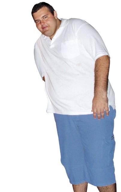 O publicitário antes, com 186 quilos