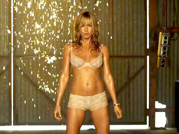 Jennifer Aniston e seu strip em Família do Bagulho