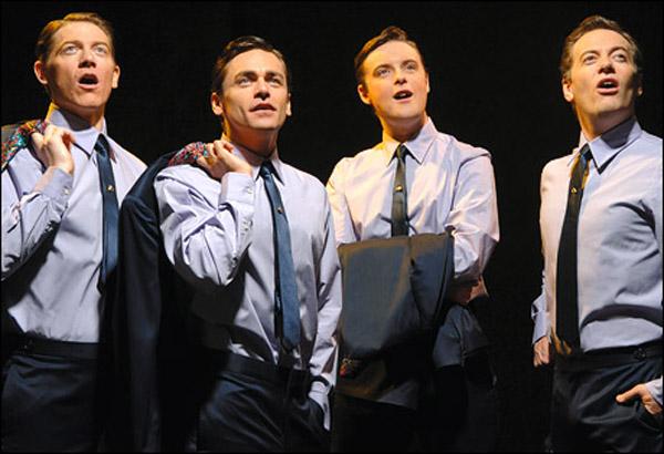 Dia 26/6 - Jersey Boys: Em Busca da Música - Clint Eastwood recria a história do grupo The Four Seasons, dos anos 60